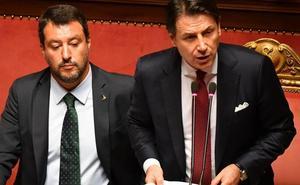 Italia se pone en manos de Mattarella para evitar elecciones anticipadas