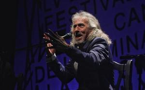 Capullo de Jerez celebra 50 años de cante en la Luna Mora de Guaro