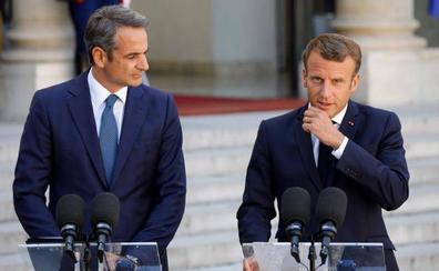 Macron denuncia que se han tomado «decisiones inaceptables» en el desembarco del Open Arms