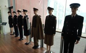 Un exposición trae a Málaga la historia de las mujeres que «rompieron moldes» en la Policía Nacional