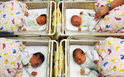 Prisión provisional para la pareja de Lleida detenida por maltratar a su bebé recién nacido