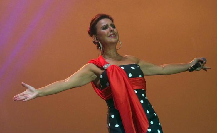 María José Santiago y el espectáculo 'Suspiros de España', en el Auditorio de Cortijo de Torres