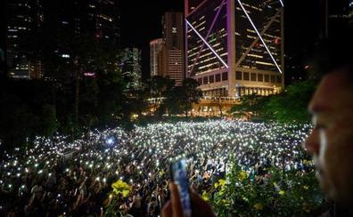 Cadena humana en Hong Kong para reclamar democracia al régimen chino