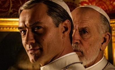 John Malkovich llega al papado con 'The New Pope'