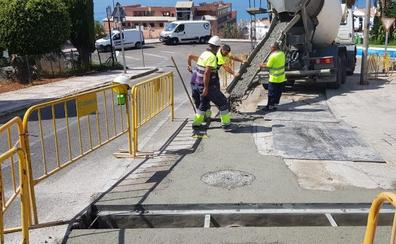 Al 70% de ejecución las obras de instalación de la red de pluviales en la avenida Picasso de La Cala del Moral