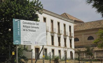 Bendodo: «No descartamos ubicar en la Trinidad los fondos arqueológicos» de la Aduana