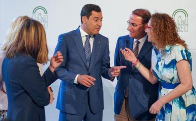 Moreno recupera el formato tradicional de diálogo con la CEA, CCOO y UGT para garantizar la paz social en Andalucía