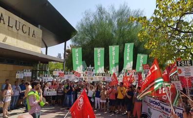 La enseñanza concertada también se suma a las protestas contra la Consejería de Educación