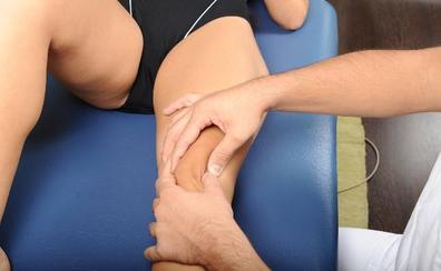 El SAS tendría que contratar a más de 1.000 fisioterapeutas en Málaga para llegar a lo fijado por la OMS