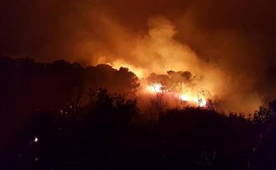 Otra madrugada de angustia por el fuego por un incendio ya extinguido en Benahavís