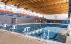 Nerja aprueba el proyecto para reparar la piscina cubierta, cerrada desde hace un año y medio