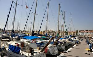 Acondicionan para uso peatonal el paseo de ribera del puerto de Caleta de Vélez