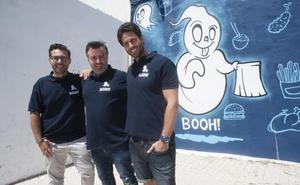 Ponen en marcha un centro de cocinas 'fantasma' en Málaga para preparar comida a domicilio
