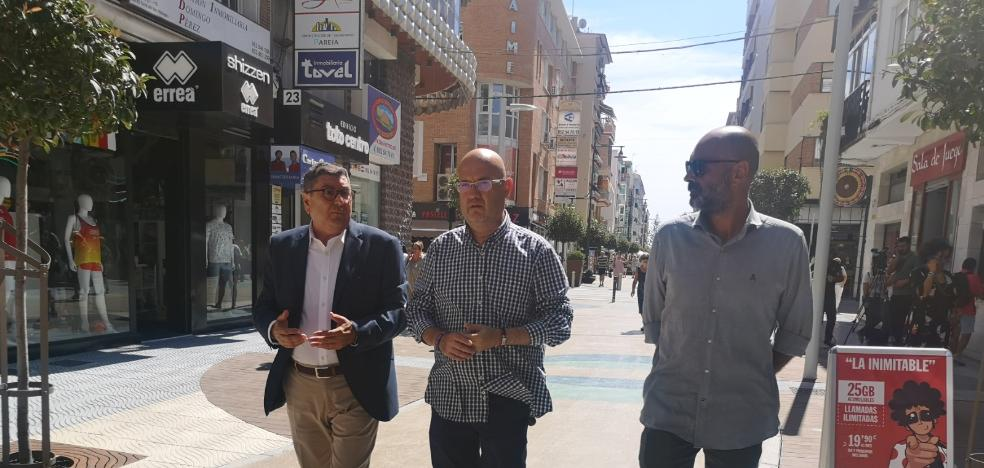 The pedestrianization works of the second section of Calle del Mar in Torre del Mar conclude