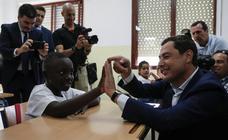 Juanma Moreno inaugura el nuevo curso escolar en Andalucía en un colegio de La Palmilla