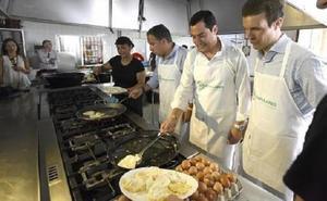 Moreno y Casado exhibirán buena sintonía en un acto de partido en Alhaurín el Grande