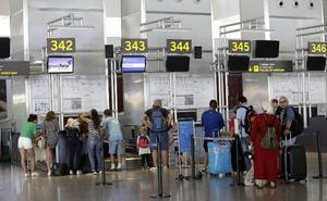 Se endurecen las medidas para los menores que viajen solos fuera de España