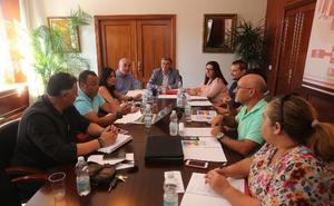 El Consistorio creará un plan anual de conservación de los centros educativos