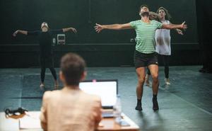 «No existe una frontera entre la danza y el teatro»