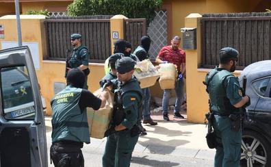 Desmantelan en Estepona una organización que utilizaba una villa de lujo como 'guardería' de droga