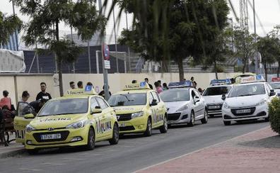 Tráfico incorpora a tres examinadores de refuerzo en Málaga ante el atasco en las autoescuelas