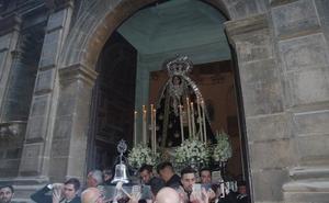 Una procesión y una romería recorren este fin de semana las calles de Málaga