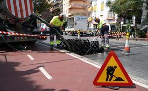 El Ayuntamiento de Marbella limpia más de 10.000 alcantarillas ante la llegada de las lluvias