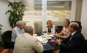 La alcaldesa informa al Colegio de Ingenieros sobre la creación de la nueva oficina del PGOU