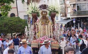 La romería de la Virgen de la Alegría parte hacia el parque periurbano de La Concepción