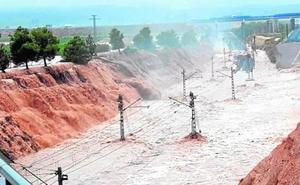 Renfe suspende en Valencia y Murcia diversos servicios convencionales por las inundaciones
