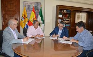 Rincón de la Victoria contrata el acondicionamiento de tres áreas de estacionamiento para más de 200 vehículos