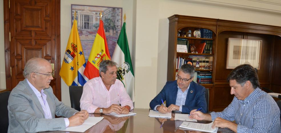 Rincón de la Victoria hires the conditioning of three parking areas for more than 200 vehicles