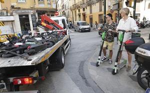 La mitad de los patinetes saldrán de Málaga con la nueva ordenanza