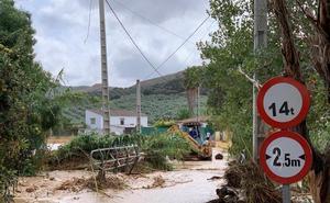 Un centenar de personas permanecen aisladas en Las Huertas del Río de Archidona