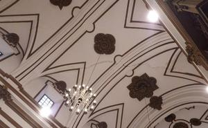 La caída de cascotes obliga a clausurar la iglesia del Sagrario de Málaga