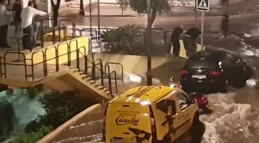 Las intensas lluvias en Torremolinos afectan a La Nogalera y al Ramal del Carmelo
