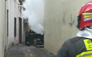 Un incendio en un cuadro eléctrico deja sin luz a gran parte del conjunto histórico de Ronda