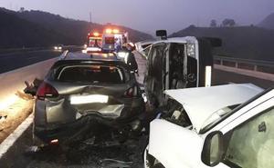 Una fallecida y al menos tres heridos en un aparatoso accidente en Las Pedrizas de Málaga