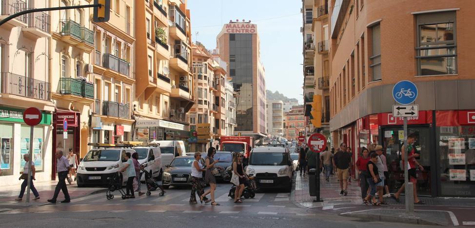 Mármoles, la calle que quiere recuperar su gancho comercial