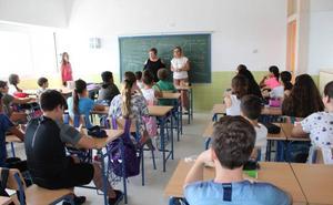 Alumnos de la ESO de Mijas estudiarán en un colegio ante la falta de espacio en un instituto