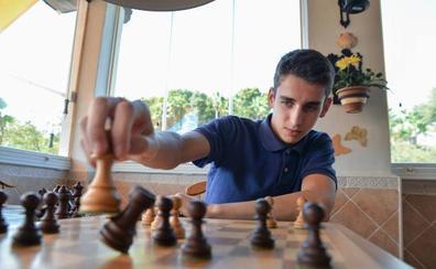 Lance Henderson, un genio adolescente del ajedrez en Marbella