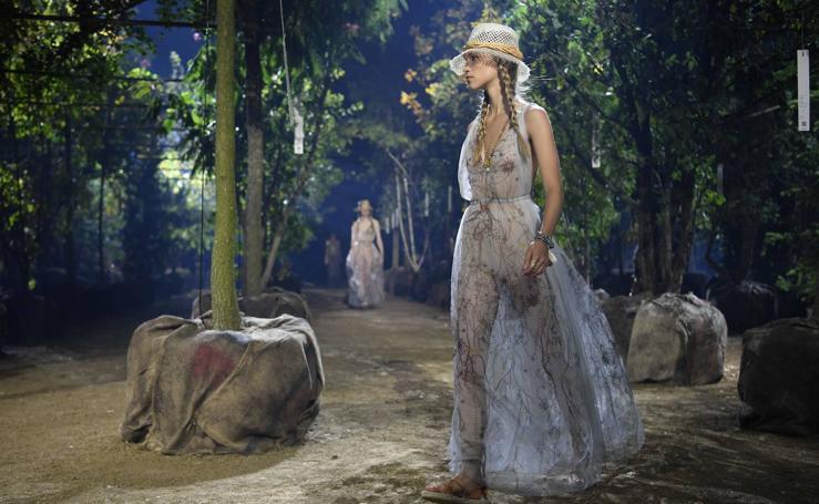 El bosque secreto de Dior conquista París