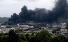 Espectacular incendio en una fábrica química de «alto riesgo» en Francia