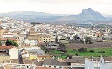 Un parapentista ha resultado herido grave tras sufrir una caída en un cerro en Antequera