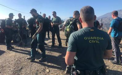 Casi medio centenar de agentes buscan a Dana en la montaña y tratan de recabar pruebas sobre su desaparición