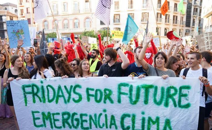 Miles de personas salen a la calle en protesta por el cambio climático
