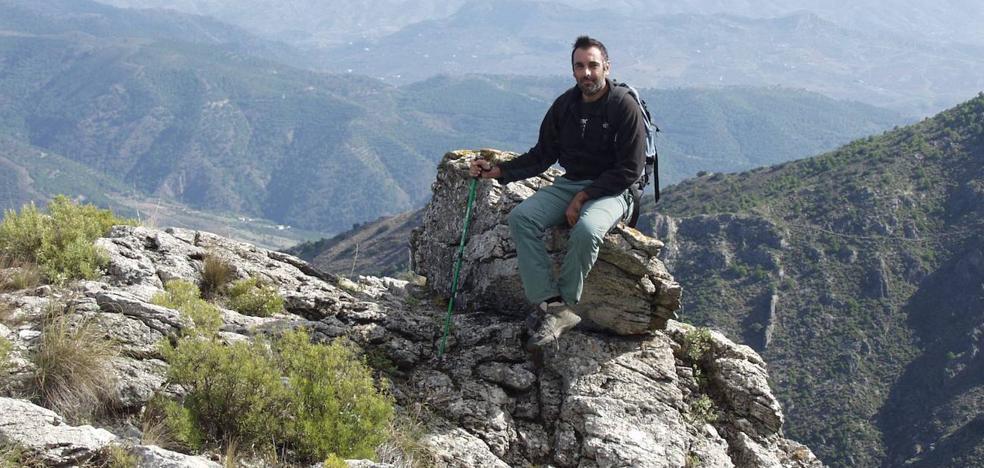 «La provincia de Málaga es un auténtico regalo para quienes practicamos senderismo»