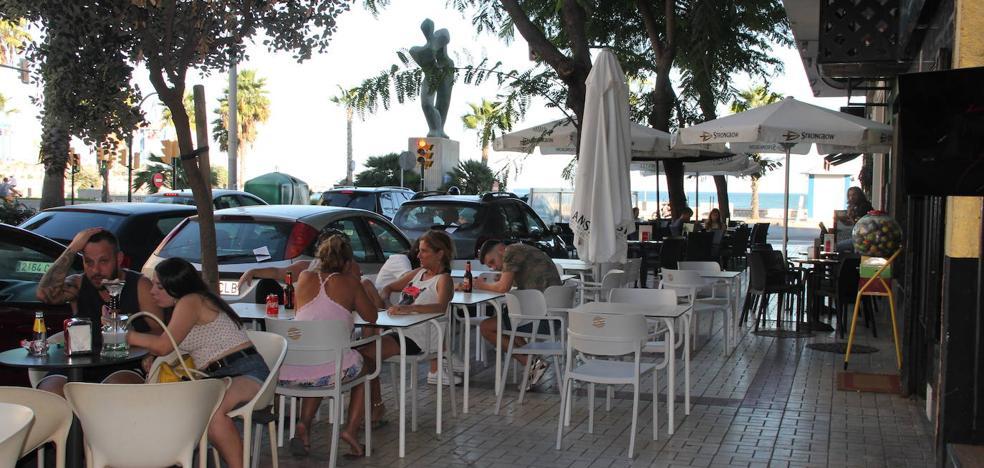 Tomás Echeverría, la terraza de moda de Huelin con problemas de aparcamiento