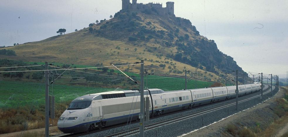 La obra que reducirá el viaje en AVE entre Málaga y Sevilla da un nuevo paso