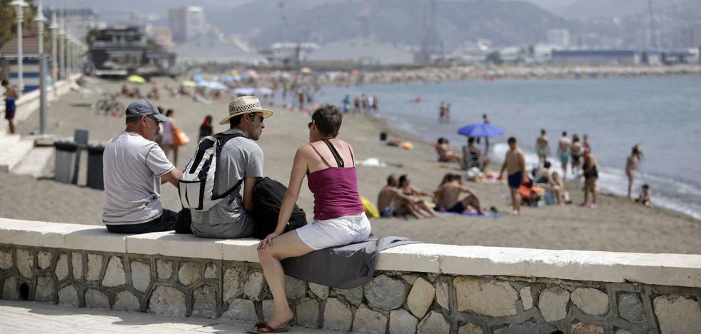 Sigue el calor en Málaga, que llegará a los 35 grados este miércoles